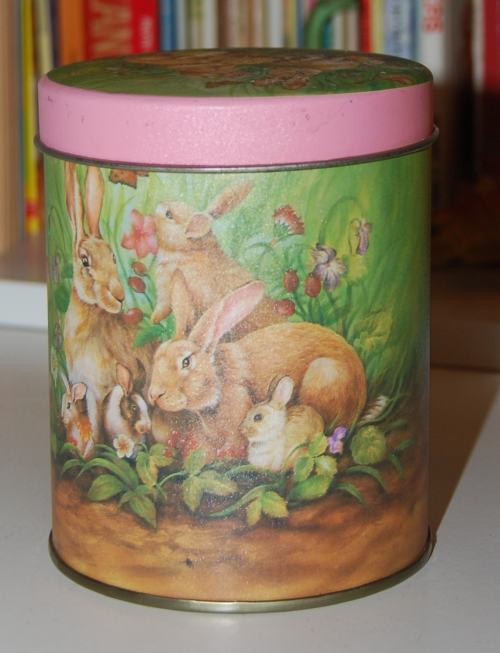Easter tin x
