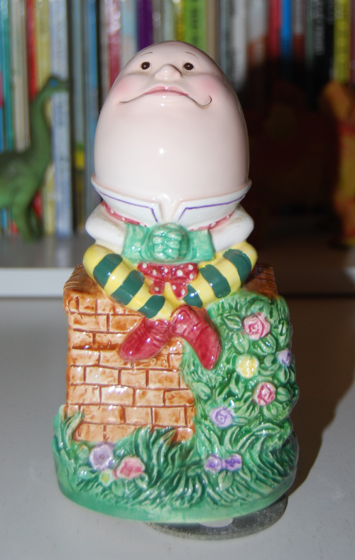 Musical ceramic humpty dumpty