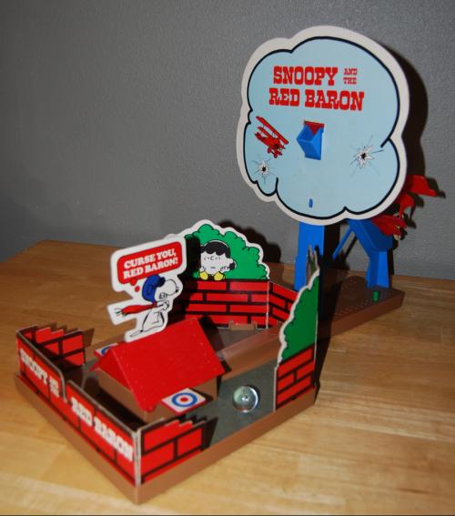 Milton bradley snoopy & the red baron game 6