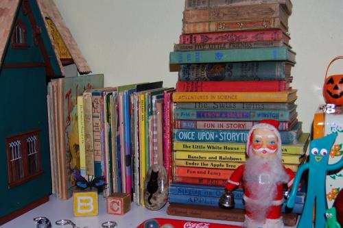 Toyroom shelf