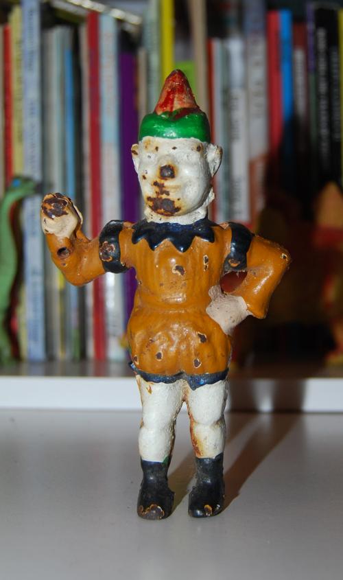 Cast iron clown