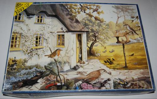 Puzzle garden birds