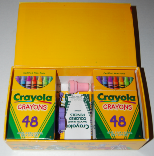 Crayola's wizard's giant box of crayons 1