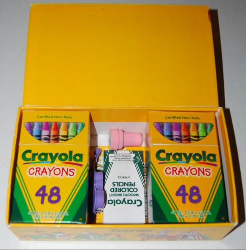 Crayola's wizard's giant box of crayons 1