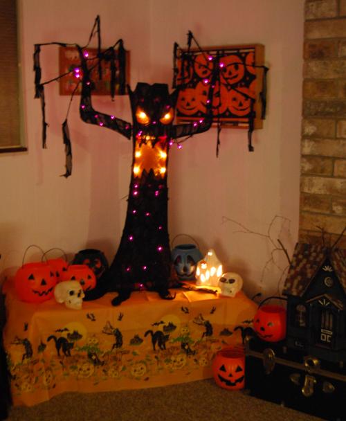 Spooky tree halloween 2017