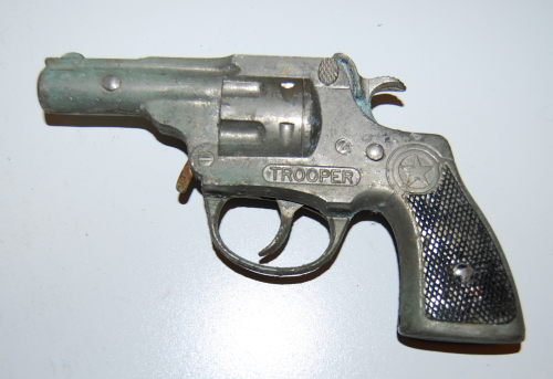 Trooper toy gun 1