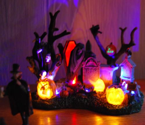 Lemax spookytown graveyard x