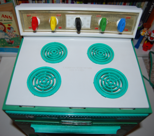 Vintage suzy homemaker stove oven toy 8