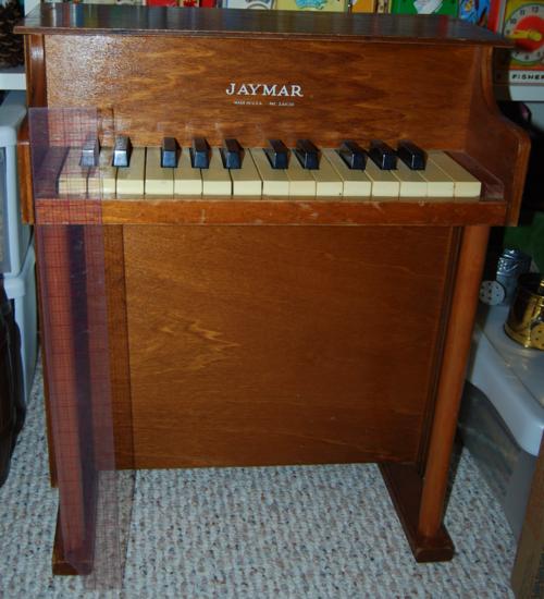 Vintage jaymar toy piano 20 inch