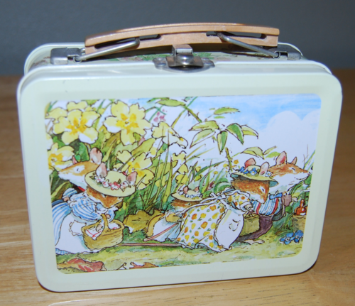Brambly hedge tin 1