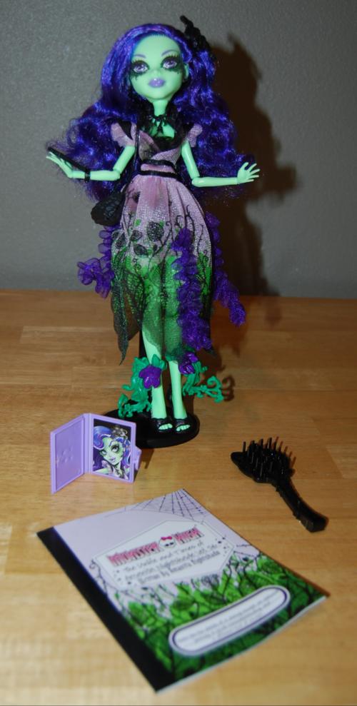 Monster high amanita nightshade doll 7