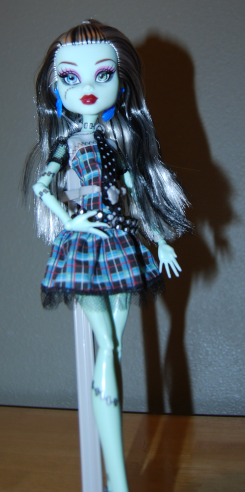 Monster high frankie stein doll 4
