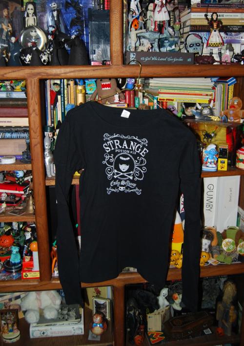 T shirts emily strange 4