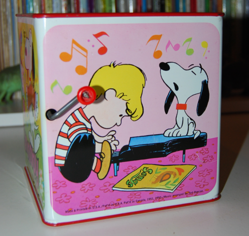 Snoopy in the music box 1966 7