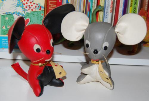 Vintage dakin mouse toys
