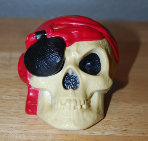 Pirates of the caribbean happy meal toys 1 (2)