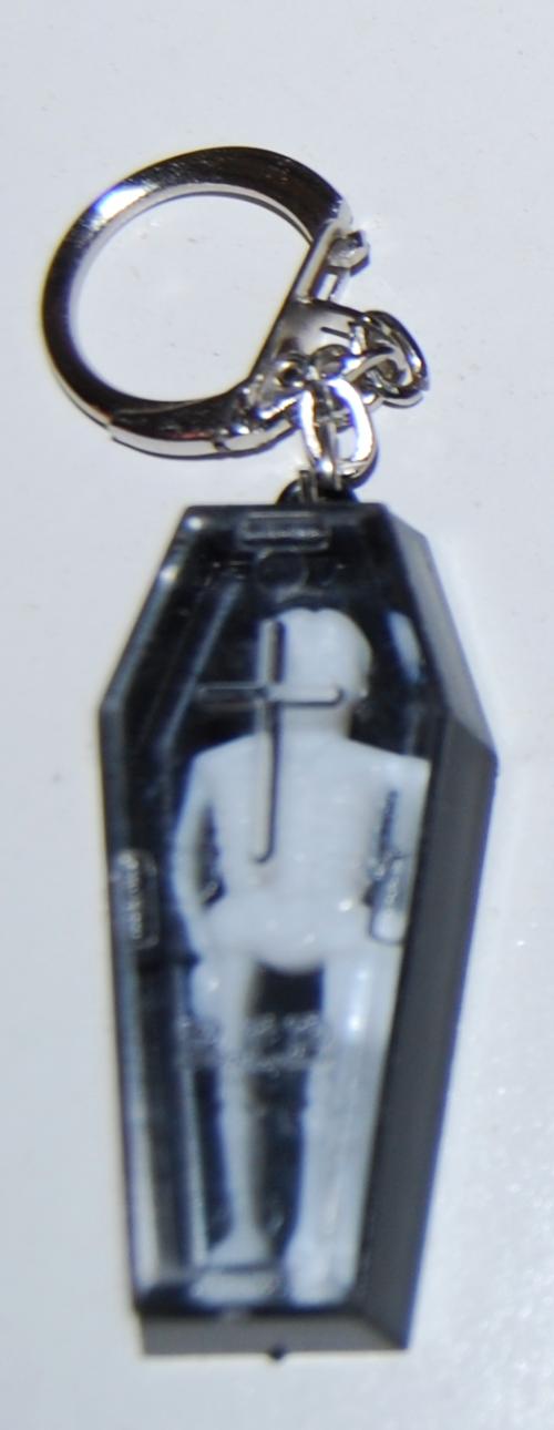 Skelly coffin keychain x