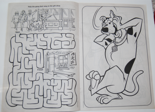 Scooby doo giant coloring book 3
