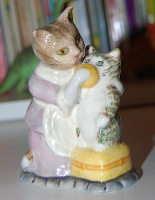 Beatrix potter ceramic tabitha twitchet