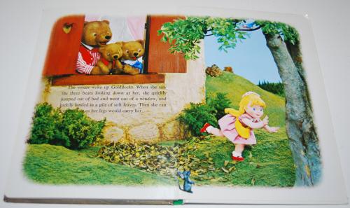 Goldilocks puppet storybook 7