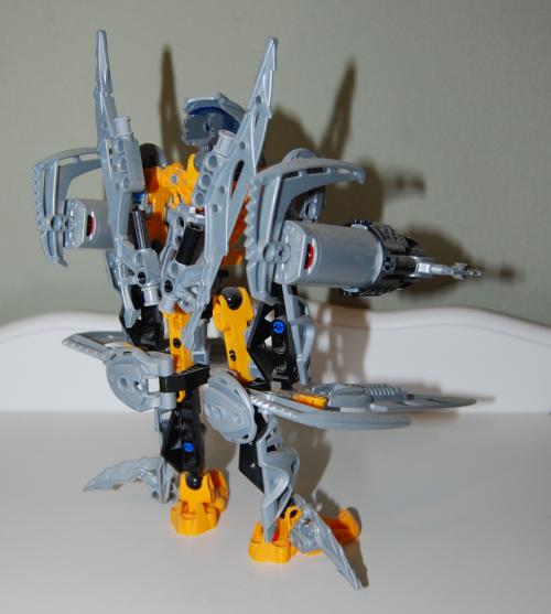 Raven's custom bionicle figures 7x
