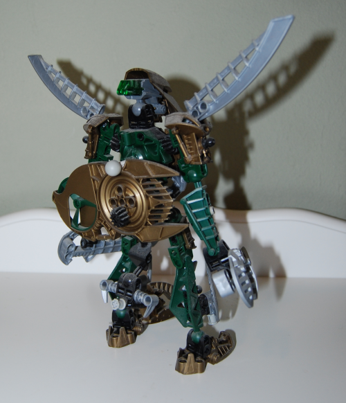Raven's custom bionicle figures 9x