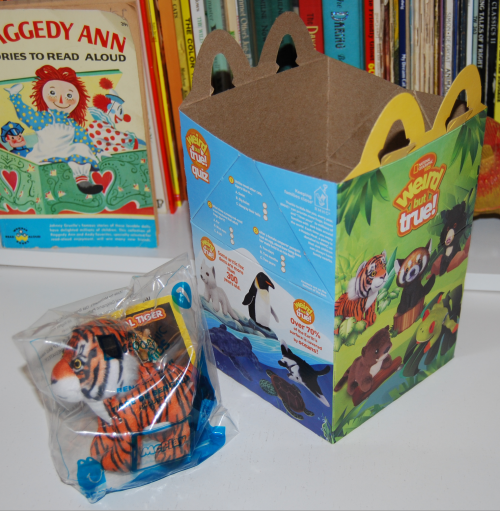 Nat geo happy meal toys x