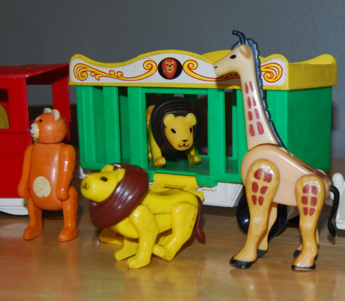 Little people circus train