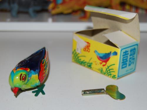 Tin bluebird windup toy 1