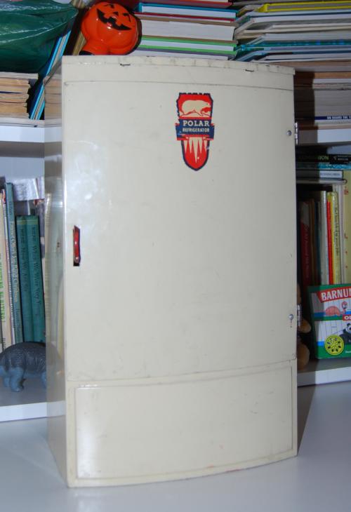 Wolverine polar refrigerator 1
