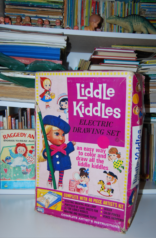 Liddle kiddles electric drawing desk 1968