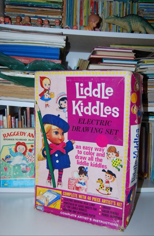 Liddle kiddles electric drawing desk 1968