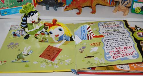 Alice in wonderland popup book 1