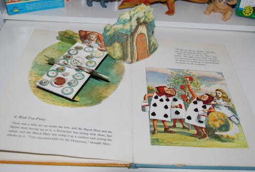 Alice popup book 8