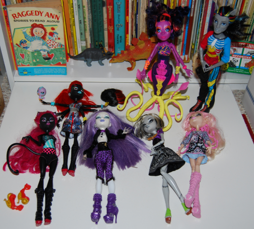 Monster high dolls x