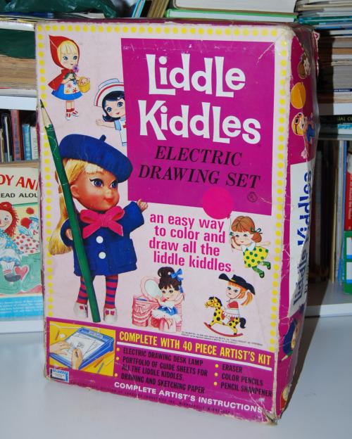 Liddle kiddles electric drawing desk