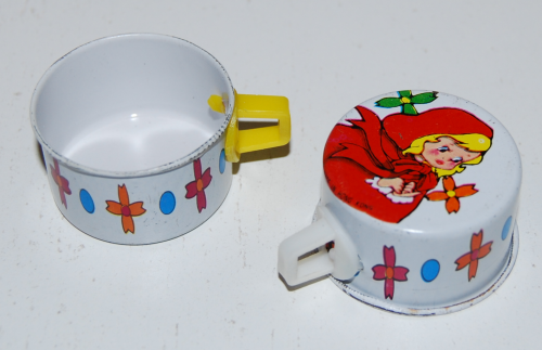 Little red riding hood tin teacups 3