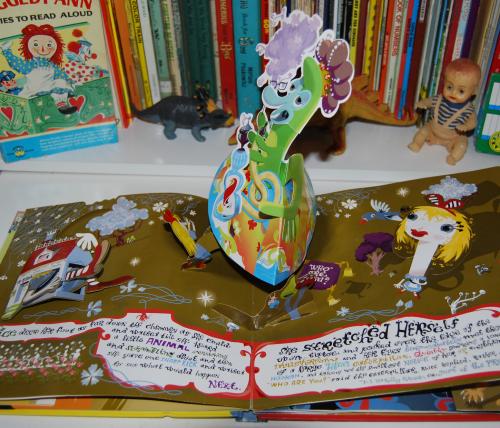 Alice in wonderland popup book 5