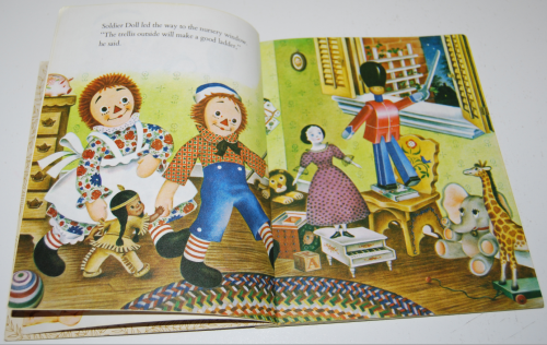 Raggedy ann & fido little golden book 4