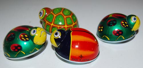Tin beetle toys x