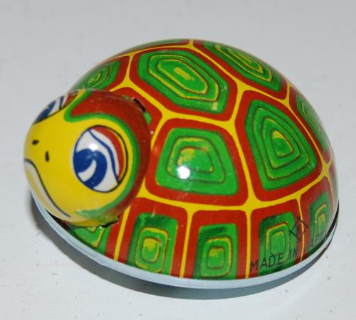 Tin beetle toys 5