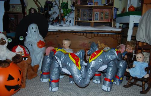 Circus elephant toys 2