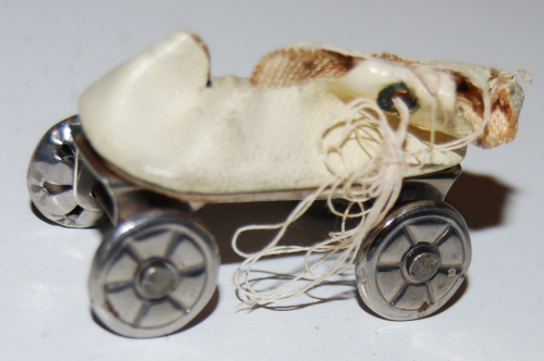 Vintage tiny skate x