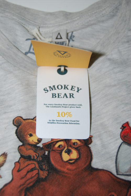 Smokey the bear t shirt x