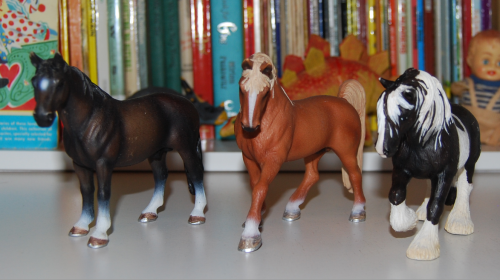 Horse figures 5