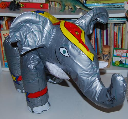 Circus elephant toys x
