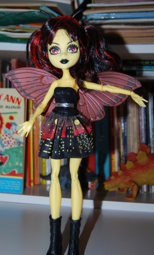 Monster high luna moth doll 1