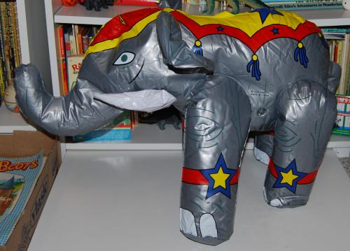 Circus elephant toys 1
