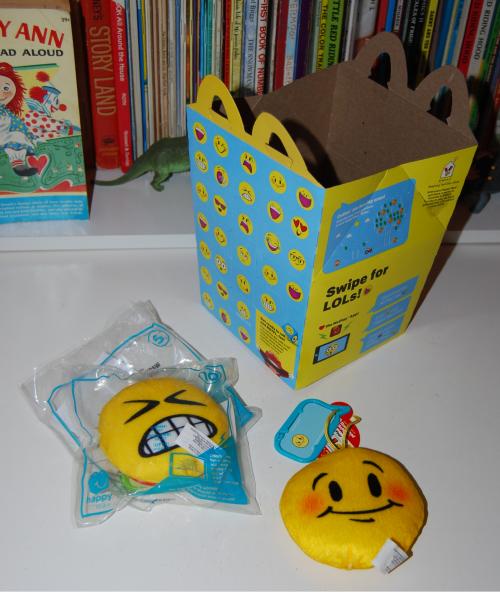 Emojis happy meal x