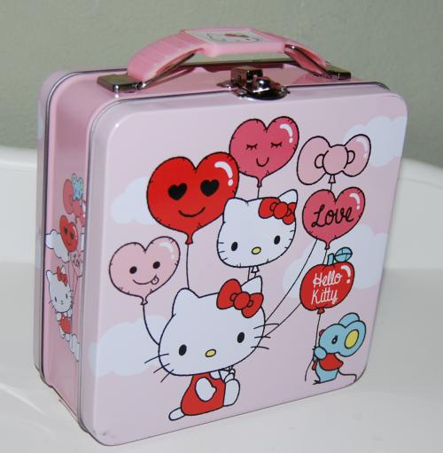 Hello kitty valentine tin